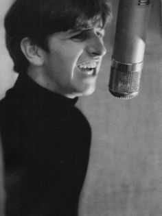 Ringo Starr: Tell me that you love me baby Let me understand Tell me that you love me baby I wanna be your man #TheBeatles