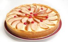 Cheesecake with pears and currants Camembert Cheese, Cheesecake, Deserts, Recipes, Food, Pears, Deep Frying, Recipies, Play Dough