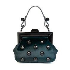 Marc Jacobs - Women's Bags - 2011 Fall-Winter - LOOK 69 ❤ liked on Polyvore featuring bags, handbags, shoulder bags, purses, marc jacobs, hand bags, marc jacobs shoulder bag, handbag purse, marc jacobs purse and marc jacobs handbags