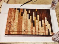 Coolest custom cutting board there ever was End Grain Cutting Board, Custom Cutting Boards, Diy Cutting Board, Butcher Block Cutting Board, Butcher Blocks, Woodworking For Dummies, Woodworking Table Saw, Beginner Woodworking Projects, Woodworking Plans