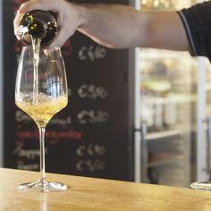 Bauernstadl, Feldbach Sauvignon Blanc, Gin, Smothie, Flute, White Wine, Alcoholic Drinks, Champagne, Tableware, Glass