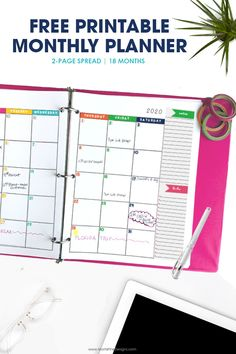This is the perfect monthly planner to help me keep track of all of life's crazy schedules! I love that I can customize it and put it in a cute binder of my choice. Monthly Calendar Template, Monthly Planner Printable, Free Printable Calendar, Kids Calendar, Free Printables, December Calendar, 2019 Calendar, Planner Tips, Free Planner