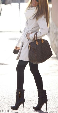 Street Style - LV Bag♥ na women fashion outfit clothing stylish apparel closet ideas Looks Street Style, Looks Style, Mode Chic, Mode Style, Look Fashion, Street Fashion, Womens Fashion, Fashion Black, Fall Fashion