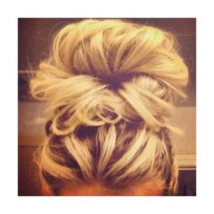 messy bun ❤ liked on Polyvore featuring hair, hairstyles, beauty, hair styles and cabelos
