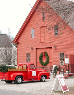 Kennebunkport Maine is ranked as the Christmas town in America! Whether you're at the Kennebunkport Christmas Prelude or shopping, it's a must see. Nyc Winter, Maine Winter, Christmas Town, Christmas Tree Farm, Christmas In England, Christmas Scenery, Christmas Travel, Hallmark Christmas, Christmas Themes