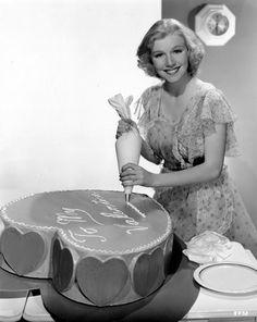 julie haydon decorates a valentine cake | 1937 | #vintage #1930s #valentine