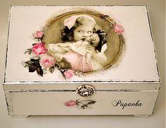 Dievčatko s bábikou by bibidekoracie - SAShE.sk - Handmade Nábytok