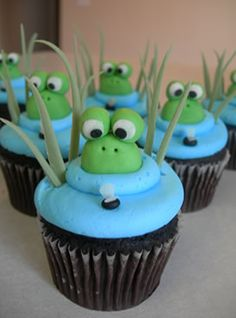 Frog Party: Hop over for some Frog Party Ideas. What's more fun than a little green frog? I'm sharing some super cute frog party ideas today. Be sure to checkout all of our Frog Party Ideas and Inspiration. Frog Cupcakes, Yummy Cupcakes, Cupcake Cookies, Cupcake Fondant, Turtle Cupcakes, Valentine Cupcakes, Party Cupcakes, Coconut Cupcakes, Rose Cupcake