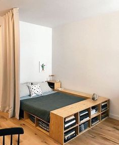 Check out some easy and simple small bedroom ideas for your ultimate reference! Just choose the best bedroom decor that you really love now! Room Interior, Interior Design Living Room, Home Bedroom, Bedroom Decor, Bedroom Ideas, Bed Ideas, Bedroom Workspace, Extra Bedroom, Nursery Decor