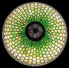 "22"" CURTAINBORDER TIFFANY TABLE LAMP"