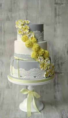 This cake is perfect for an elegant wedding on a summer/spring day