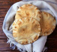 REŢETĂ pentru zilele de izolare: Răsfață-ți simțurile cu o shaorma de pui în lipie libaneză - Pentru Ea Apple Pie, Curry, Desserts, Food, Curries, Postres, Deserts, Apple Pies, Hoods