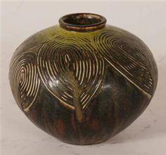 Axel Salto: Vase af stentøj.