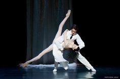 Hervé Moreau and Isabelle Ciaravola in Roland Petit'sProust ou les intermittences du coeur. Photo by Michel Lidvac.