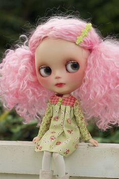 Blythe - I love her hair.  It reminds me of cotton candy :)