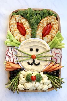 Easter Bunny Snack Board by The BakerMama recipes dinner recipes dinner easy recipes dinner healthy recipes dinner keto recipes dinner meat recipes dinner video Easter Appetizers, Easter Snacks, Easter Party, Easter Treats, Easter Recipes, Easter Food, Easter Dinner Ideas, Hoppy Easter, Easter Bunny