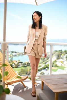 Short Suits Trend for This Summer Ramona Quimby, Shirt Tucked In, Skirt And Top Set, Crisp White Shirt, Short Suit, Pencil Skirt Black, Other Outfits, Polished Look, Work Wardrobe