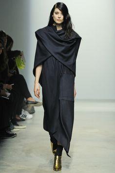 Maison Rabih Kayrouz RTW Fall 2014 - Slideshow - Runway, Fashion Week, Fashion Shows, Reviews and Fashion Images - WWD.com