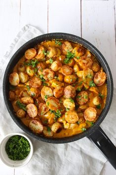 Kylling Og Kartofler I Whiskysauce - Lækker Aftensmad Keto Recipes, Snack Recipes, Cooking Recipes, Healthy Recipes, Snacks, Yummy Recipes, Good Food, Yummy Food, Chana Masala