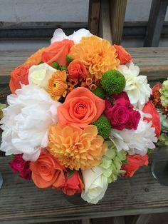 bright summer brial bouquet in orange, hot pink and lime green #furstflorist #furstevents #datytonweddings