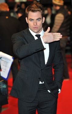Chris Pine UK Premiere of This Means War - Arrivals Photo credit: / WENN Read more: http://www.aceshowbiz.com/events/Chris Pine/chris-pine-uk-premiere-this-means-war-03.html#ixzz2oL0kEaSI