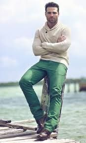 Resultado de imagem para mens green pants outfit