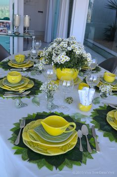 Table Arrangements, Table Centerpieces, Lemon Kitchen Decor, Vase Deco, Elegant Table Settings, Yellow Table, Dinning Table, Dinner Sets, Decoration Table