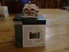 Lilliput Lane Christmas Ornament Snowball Cottage ( Isle of Wight ) L2885