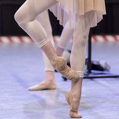 Cou-de-pied ballet