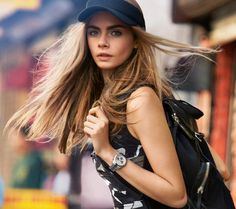 British model Cara Delevingne walks through the streets of New York City in DKNY's colorful spring 2013 campaign. Patrick Demarchelier captures t Beauty And Fashion, Look Fashion, Fashion Models, Milan Fashion, Latest Fashion, Burberry, Irina Shayk, Cara Delevingne Style, Emily Deschanel