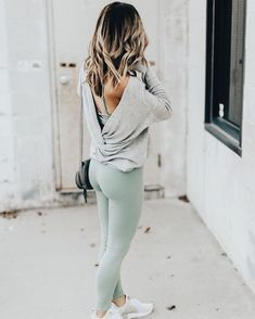 sporty outfits for women athletic wear / sporty outfits ; sporty outfits for women ; sporty outfits for school ; sporty outfits for gym ; sporty outfits for women athletic wear ; sporty outfits for women casual Mode Outfits, Sport Outfits, Stylish Outfits, Fall Outfits, Fashion Outfits, Fashion 2015, Fashion Women, Gym Outfits, Fall Workout Outfits