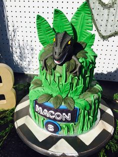 43 Best ideas dinosaur birthday party activities jurassic world Park Birthday, Boy Birthday, Birthday Parties, Birthday Ideas, Dino Cake, Dinosaur Cake, Dinosaur Party Favors, Dinosaur Birthday Party, Bolo Dino