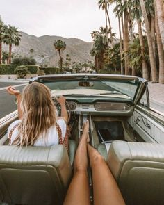 palm trees, california aesthetic, convertible, girls, summer aesthetic Travel Photography Tumblr, Road Trip Photography, Photography Beach, Lifestyle Photography, Vintage Photography, Photography Poses, Fashion Photography, Summer Vibes, Summer Feeling