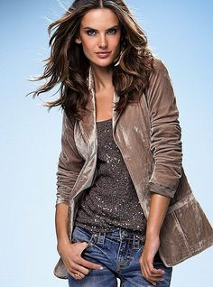 I like the idea of a soft blazer... looks fantastic with sequin shirt. Maybe I should try this with my ponte knit blazer and jeans?