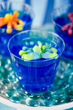 Rojo y azul son los dos colores básicos de esta simpática fiesta inspirada en la película de Disney.