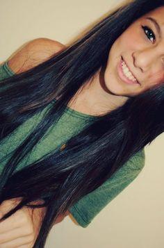 Love her hair. so pretty