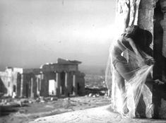 Nelly's [Elli Souyioultzoglou-Seraidari] -Nikolska, a hungarian dancer at the Parthenon, Acropolis-Athens, Greece Old Greek, Greek Art, History Of Photography, Art Photography, S Pic, Picture Show, Dolly Sisters, Journey To The Past, Acropolis