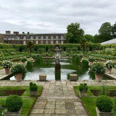 The Sunken Garden. Sunken Garden, Sidewalk, London, Mansions, House Styles, Decor, Decoration, Manor Houses, Side Walkway