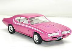 1969 PONTIAC GTO Ertl 1:18 Scale NEW Model Car AMERICAN MUSCLE CAR NIB RARE PINK