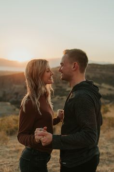 Adventurelust Photography Candid pictures up Provo canyon. Engagement posing ideas Source by adventurelustphotography. Cute Couple Poses, Couple Photoshoot Poses, Couple Picture Poses, Couple Photography Poses, Photo Couple, Cute Couple Pictures, Poses For Pictures, Candid Photography, Couple Posing