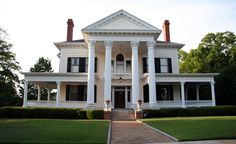 Antebellum Southern house in Troy, Alabama