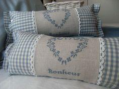 Sewing Pillows, Diy Pillows, Custom Pillows, Throw Pillows, Fabric Crafts, Sewing Crafts, Sewing Projects, Scatter Cushions, Decorative Cushions