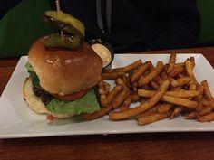3 Amigos Burger 6.5/10