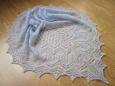 Lovely lace pattern and feather soft yarn. Only downside was the KSH shedding so much: this has never happened before.