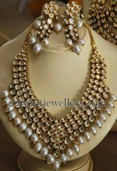 Jewellery Designs: Attractive Pearls Polki Choker