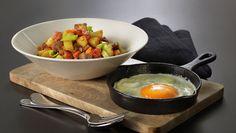 Pytt i panne med speilegg Fondue, Bacon, Ethnic Recipes, Tips, Kitchen, Cooking, Kitchens, Cuisine, Pork Belly
