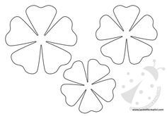 Sagome di fiori di varie forme e grandezze che potete stampare e utilizzare come volete! Per salvare l'immagine cliccate sul disegno con il tasto destro de