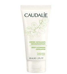 La crema Exfoliante Desincrustante, purifica y afina la textura de la piel, sin resecar, para lucir una piel nítida, lisa y resplandeciente....