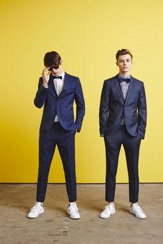 Suits & Sneakers. Metallic Trellis Tuxedo Jacket & Pant - http://www.simons.ca/simons/category/c1570/Prom+Night?/en/#slide_4 #menswear #suit