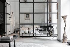 Todays Inspiration / Carton Factory meets New York Loft - september edit Industrial Bedroom Design, Industrial Interiors, Industrial Loft, New Yorker Loft, Loft Door, Craftsman Bathroom, Beton Design, Decoration, Bedroom Decor